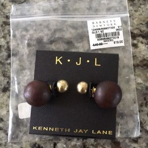 Kenneth jay lane wooden and gold stud back earring